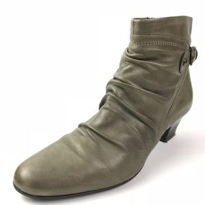 Clarks SZ Green Sage Limbo Pause Ankle Boots dress